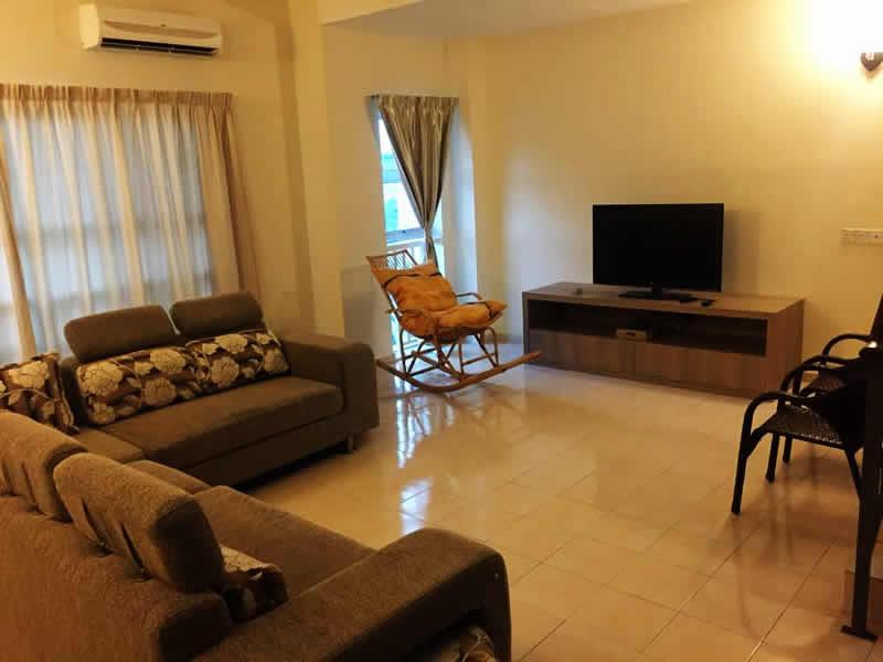 ( TB132 ) 4 Bedrooms Seaview House Tiara Bay 132 - Living Hall